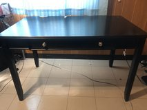 Desk excellent condition in Okinawa, Japan