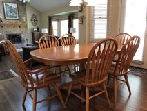 Dinaire table with 6 chairs in Chicago, Illinois
