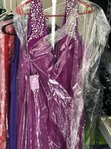 Gowns/formals in Fort Campbell, Kentucky
