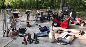 Estate Garage Clear Out in Naperville, Illinois