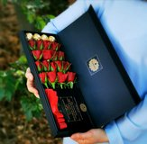 Rosenbox with 12 fresh roses of Diamonia Rose. Exceptional gift in Ramstein, Germany