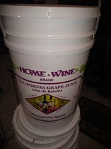 6 gallon plastic buckets with handles and lids in Chicago, Illinois
