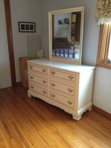 Quality Bedroom Set! $350 in Fort Campbell, Kentucky