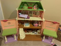 Fisher Price Doll House in Chicago, Illinois
