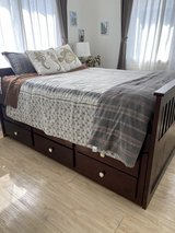 Ashley Pull Out Bed & Memory Foam Mattress (Full Size) in Okinawa, Japan