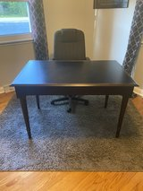desk and chair Sold in Orland Park, Illinois