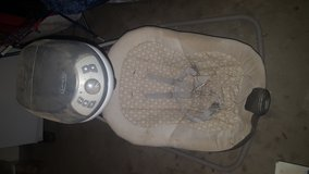 Graco Electric Baby Swing in Yucca Valley, California