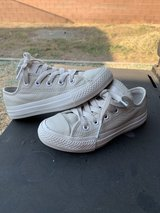 Girls converse size 11 in Alamogordo, New Mexico