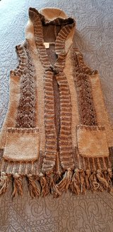 Girl's 7/8 10 Hooded Sweater Vest - Flawless Condition! in St. Charles, Illinois