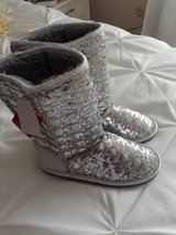 Brand New Sparkly Boots in Bolingbrook, Illinois