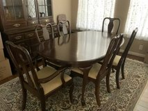 Kling Colonial Queen Anne Dining Room Set. Must Pick Up. in Converse, Texas