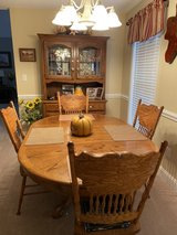 Dining Set in Perry, Georgia