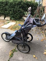 jogging stroller in Orland Park, Illinois