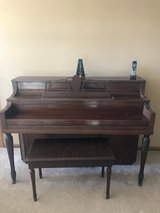Free Piano in Orland Park, Illinois