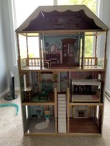 Dollhouse in Ottawa, Illinois