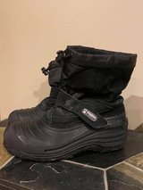 Boots: Alpine snow boots size 5 in Oswego, Illinois
