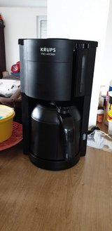 Krups coffee maker and simply perfect single cup in Stuttgart, GE