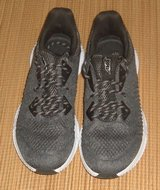 Avia Mens Heathered Black Athletic Shoes Sneakers Size 9-1/2 9.5 in Yorkville, Illinois
