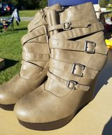 Womens Boots in Camp Lejeune, North Carolina