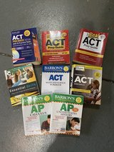 ACT Study Guides and  Barron's AP US History and Calculus Lot of 8 in Chicago, Illinois