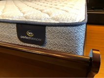 New Ashley Queen Bed Set in Okinawa, Japan