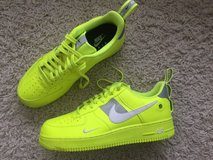 Nike Air Force 1 Utility Volt 2 US 11,5 in Ramstein, Germany
