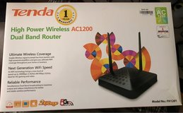 Tenda FH1201 wireless dual band router in Naperville, Illinois