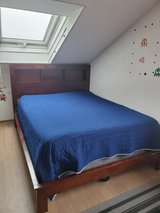 Queen Size Bed w/mattress and box spring in Stuttgart, GE