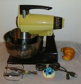 Sunbeam Mixmaster 2 Bowls and Beaters in Quad Cities, Iowa