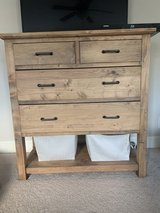 Dressers in Fort Campbell, Kentucky