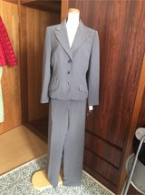2 pieces suit Gray size 6 with tag in Okinawa, Japan