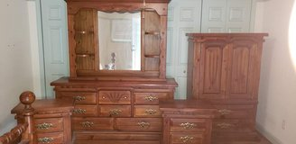 Antique bedroom set in Beaufort, South Carolina