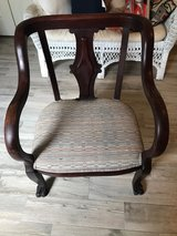 Solid wood antique chair Reduced, was 50.00 in Kingwood, Texas