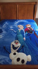 Disney Frozen Duvet Cover (Full/Queen) with Matching (2) Shams in Naperville, Illinois
