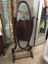Vintage Bombay Mirror in Warner Robins, Georgia