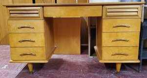 Beautiful Vintage Mid Century Solid Wood Desk in Alamogordo, New Mexico