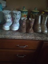 Girls boots in Bolingbrook, Illinois