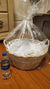 New Medium size Gift Basket in Fort Bliss, Texas