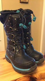 Snow Boots in Orland Park, Illinois