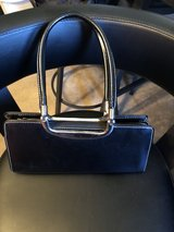 black purse in Orland Park, Illinois