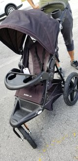 Jogging Stroller Baby Trend #1911-1324 in Camp Lejeune, North Carolina