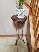 Accent Table in St. Charles, Illinois