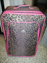 "Hi Pack Cheetah and Pink 30"" Luggage in Fort Campbell, Kentucky"