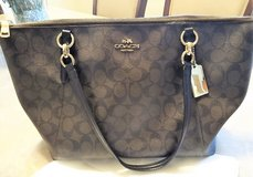 Authentic Coach Signature Ava Tote Purse in Conroe, Texas