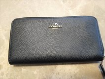 Authentic Coach Accordion Zip Wallet in Spring, Texas