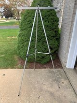 Boone Basic Aluminum Easel #3501 with Flip Chart Holder- like new in Bolingbrook, Illinois