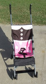 umbrella stroller / pink black in Warner Robins, Georgia