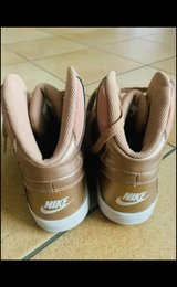 Nike Air Force size 7 and half in Wiesbaden, GE