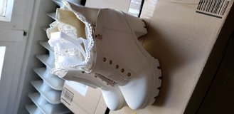 White half boots. NEW! Size 9 in Wiesbaden, GE