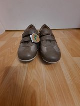 Shoes Size 8. NEW! in Wiesbaden, GE